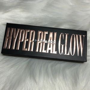 NIB MAC Hyper Real Glow Highlighting Pallet